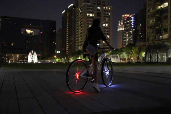 Wheely hub mounted bicycle lights offer 360 degree visibility