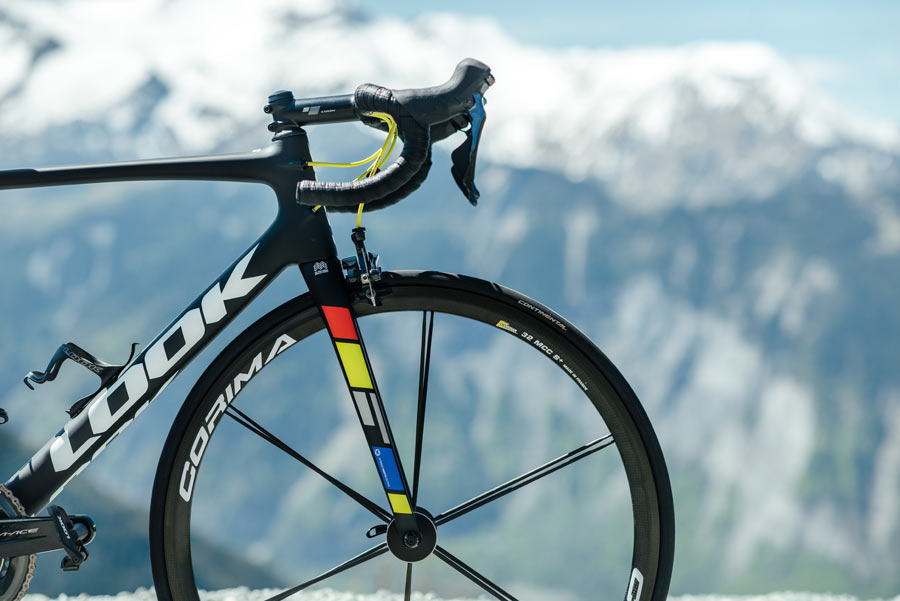 7eaf2a6deeb All-new Look Huez RS road bike floats up the climbs with 730g frame ...