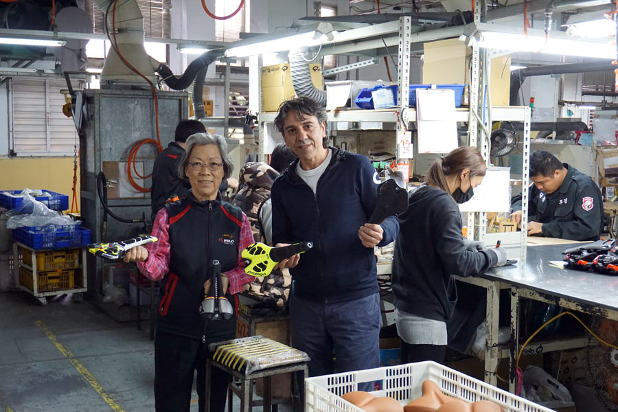 Prologo saddle factory tour with hosts Stella and Salvatore