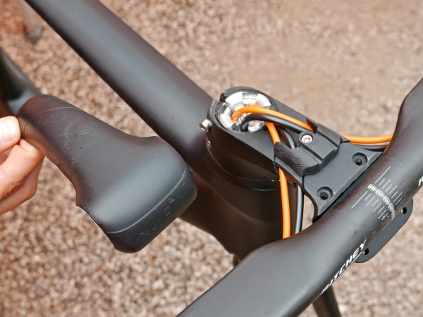 KTM Revelator Lisse fully-integrated cockpit carbon disc-brake aero road bike internal stem routing