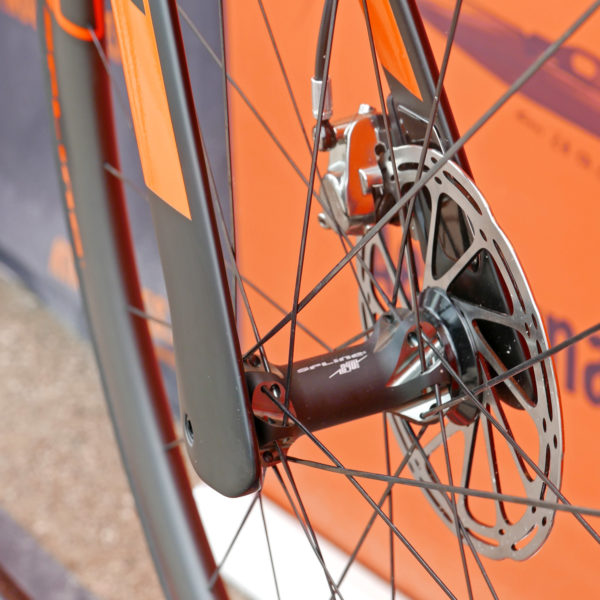 KTM Revelator Lisse fully-integrated cockpit carbon disc-brake aero road bike fork tips