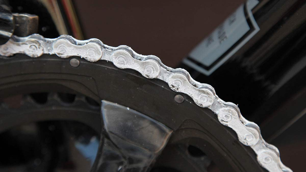 Rex Race Day Spray shows how to reduce bicycle chain friction with easy DIY treatment