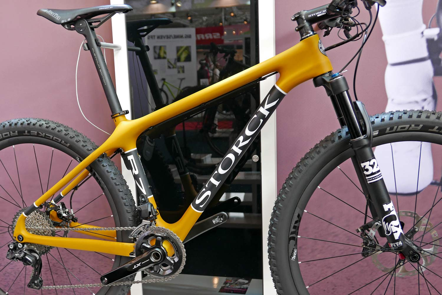 Storck Colors of Life new colorful carbon bike paintjobs Rebel Seven Pro R7 Frosted Curry