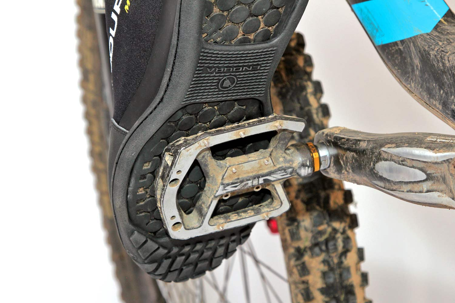 Endura Mt500 Plus Overshoes Survive Flat Pedals To Keep Feet Dry