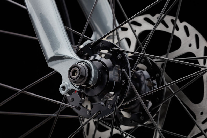 Clear Bicycle Company, the One commuter bike, locking axle nuts