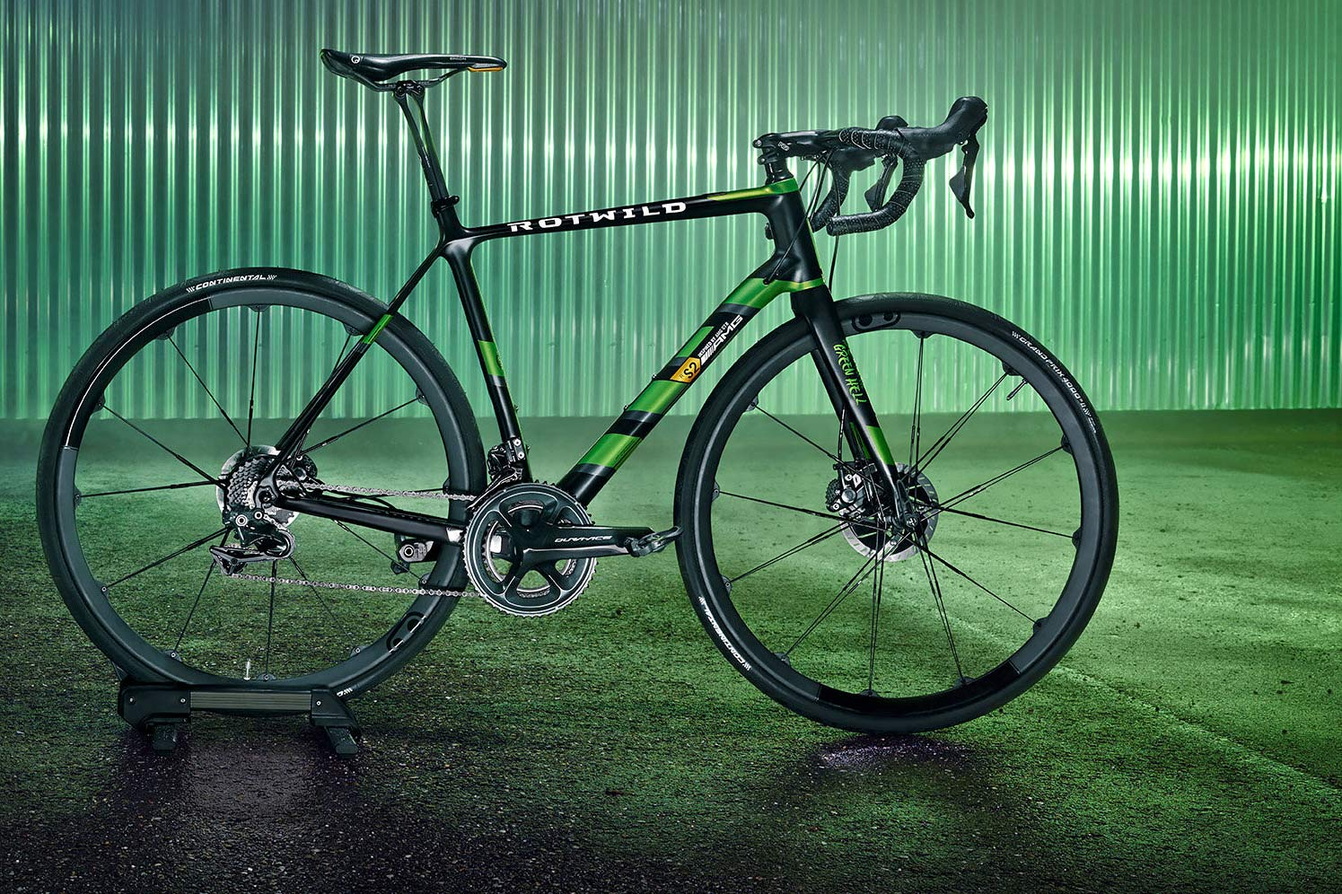 """Rotwild x Mercedes-AMG R.S2 """"Beast of the Green Hell"""" limited edition lightweight carbon disc-brake road bike complete bike"""