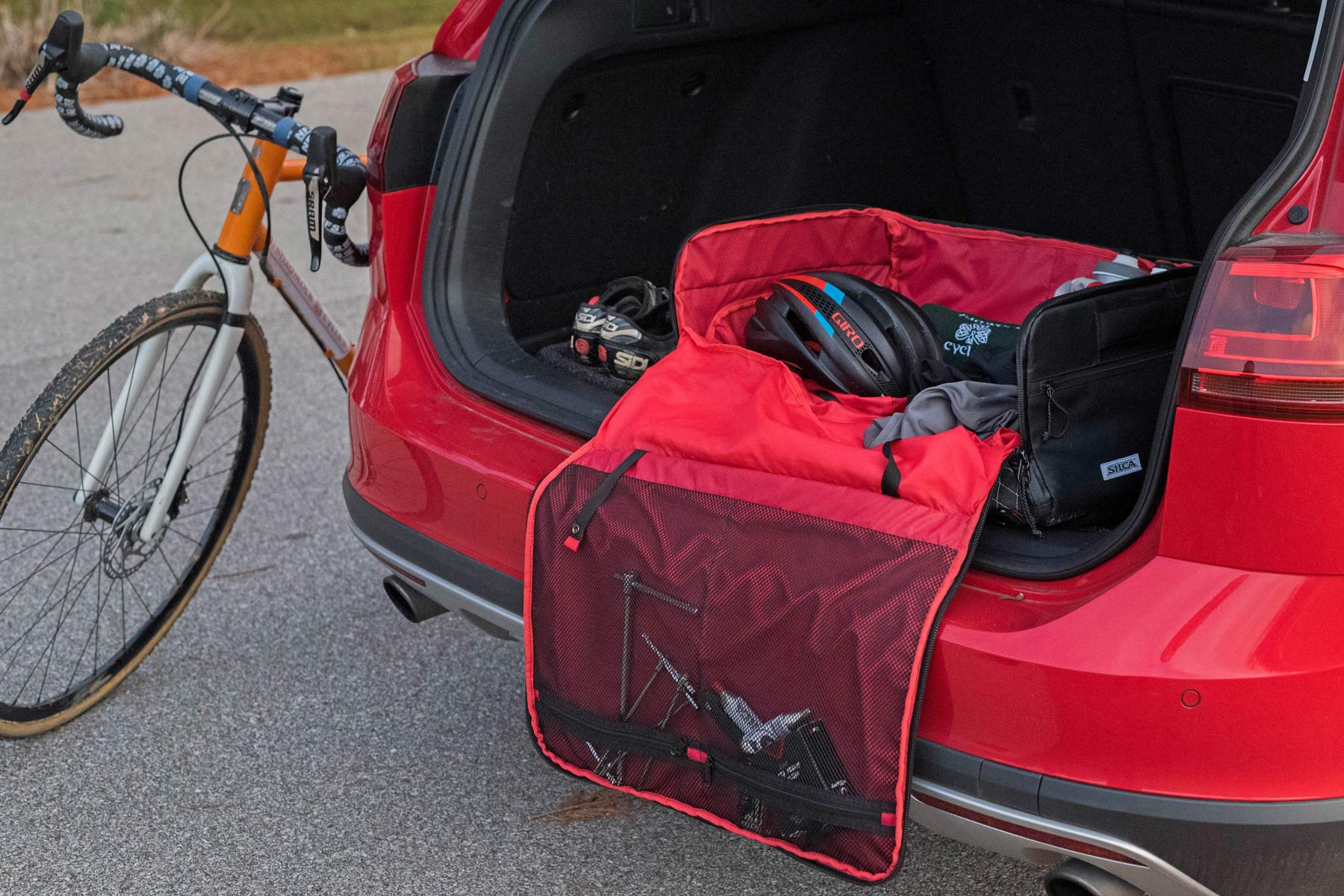 Silca Maratona Gear Bag Packs Up Everything You Need For