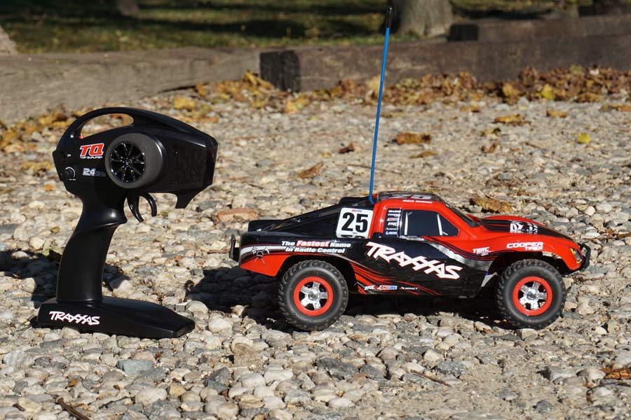 review of traxxas slash 1-16 4wd remote control truck