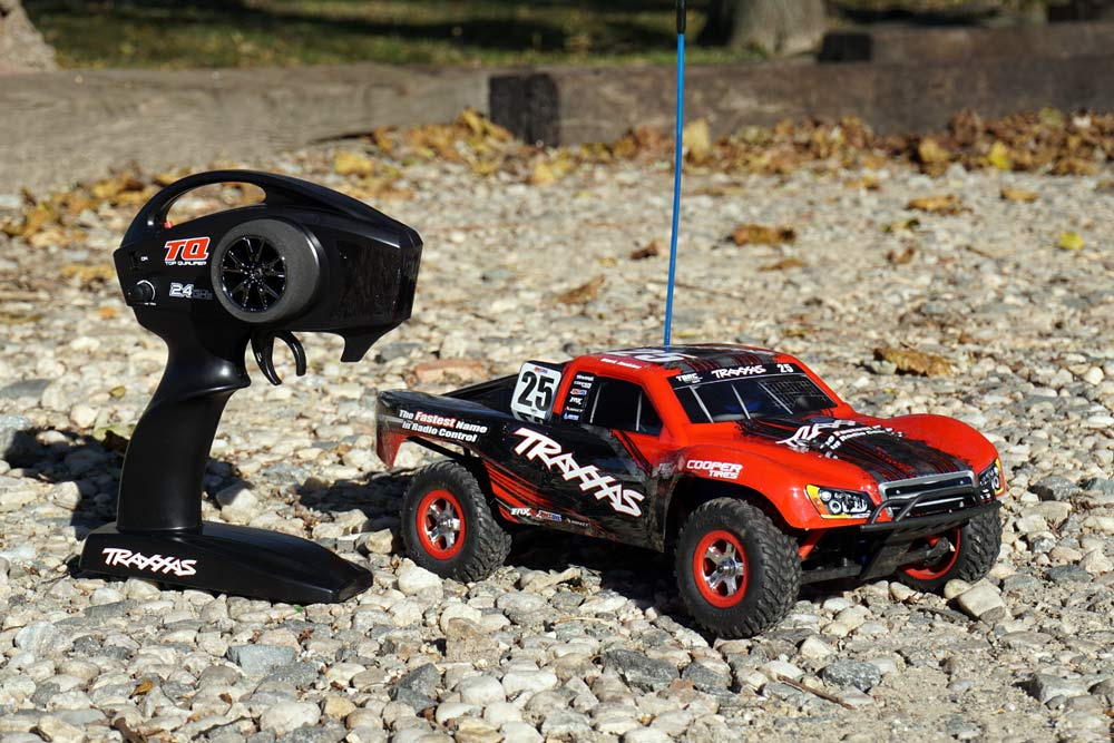 2017 traxxas slash 1-16 4wd remote control short course truck review video and tech details