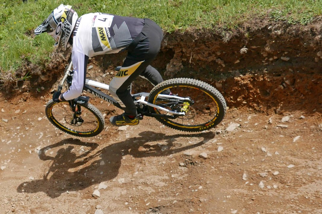canyon sender al drops cost of racing dh down hill in. Black Bedroom Furniture Sets. Home Design Ideas