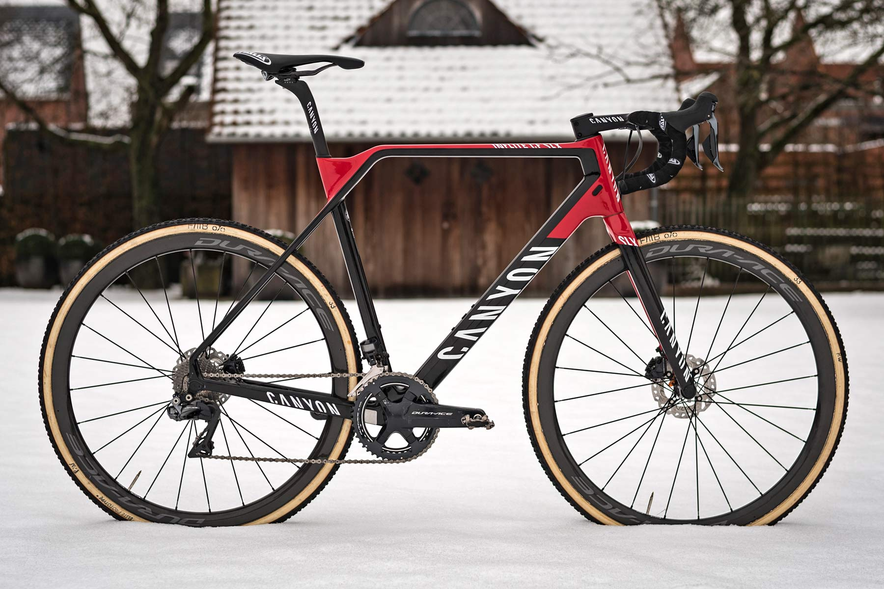 https://www.bikerumor.com/wp-content/uploads/2018/01/Canyon-Inflite-CF-SLX_carbon-cyclocross-race-bike_Mathieu-van-der-Poel_Corendon-Circus_photo-by-Stefan-Simak_snow-bike.jpg
