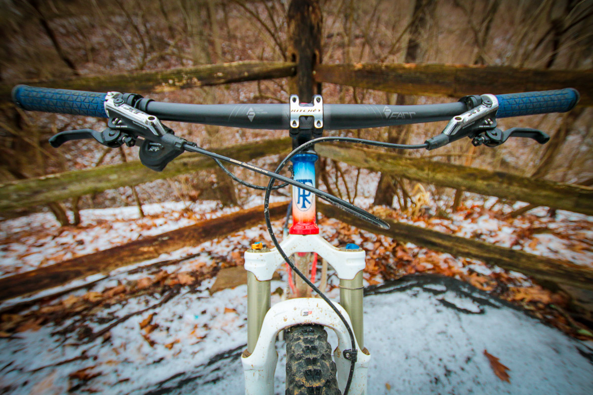 Farr builds a better endurance MTB barr, getting a grip on U.S. distribution
