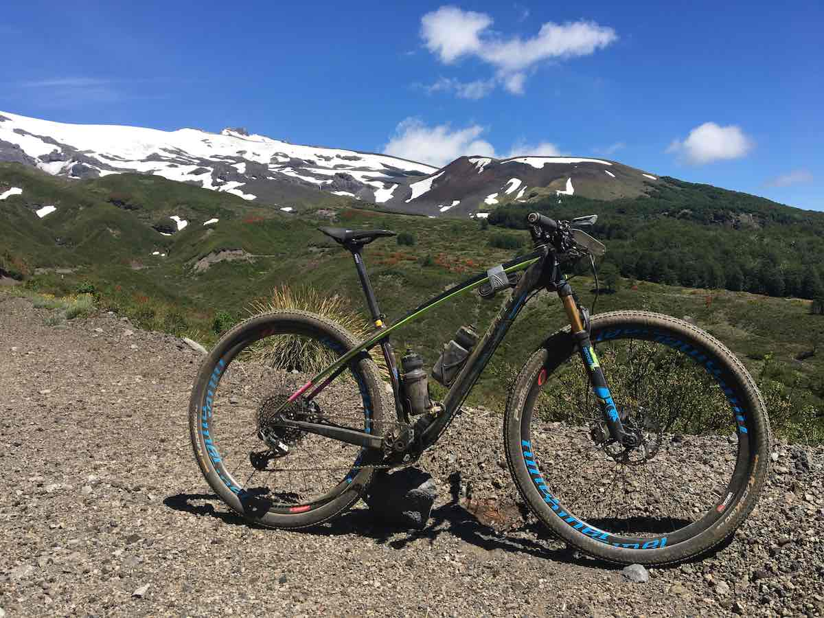 bikerumor pic of the day, cycling in Hiulo-hiulo Patagonia, Chile
