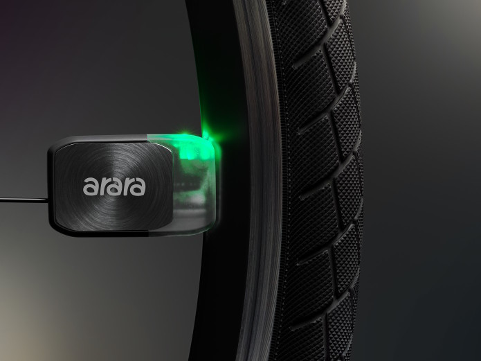 Arara spoke lights are battery free and powered by magnets