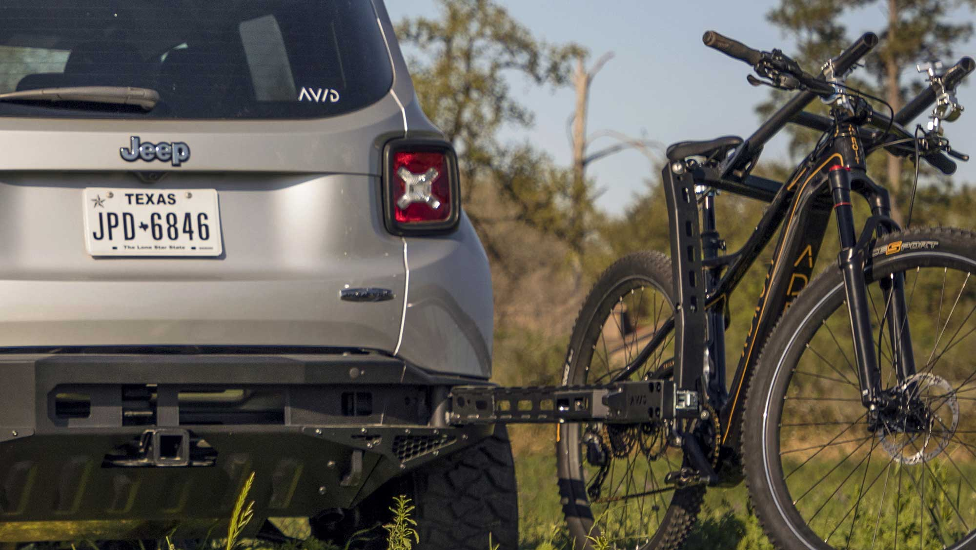 Bike Rack For Jeep Renegade >> Avid Essentials' fully retractable bike rack hides in the rear bumper - Bikerumor