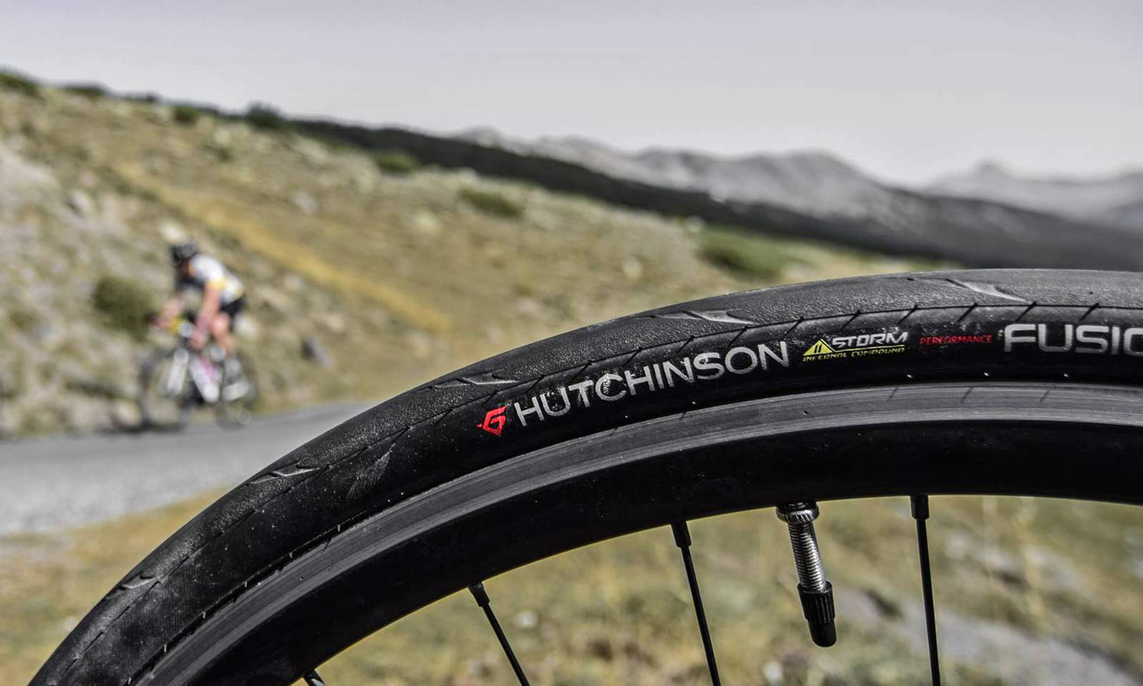 Hutchinson 2018 Fusion 5 Performance 11 STORM tubeless ready 700 X 25 2 tires