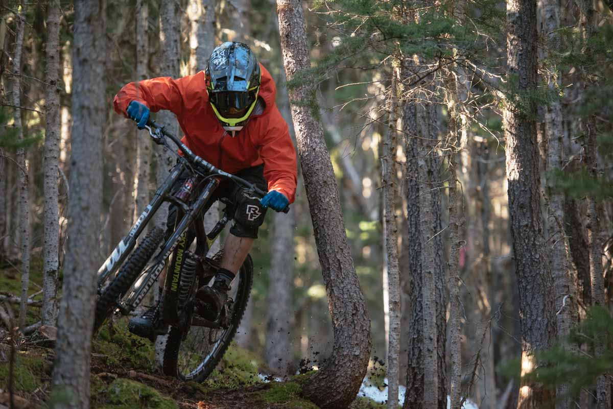 68690affd Race Face releases their 2018 soft goods collection - Bikerumor