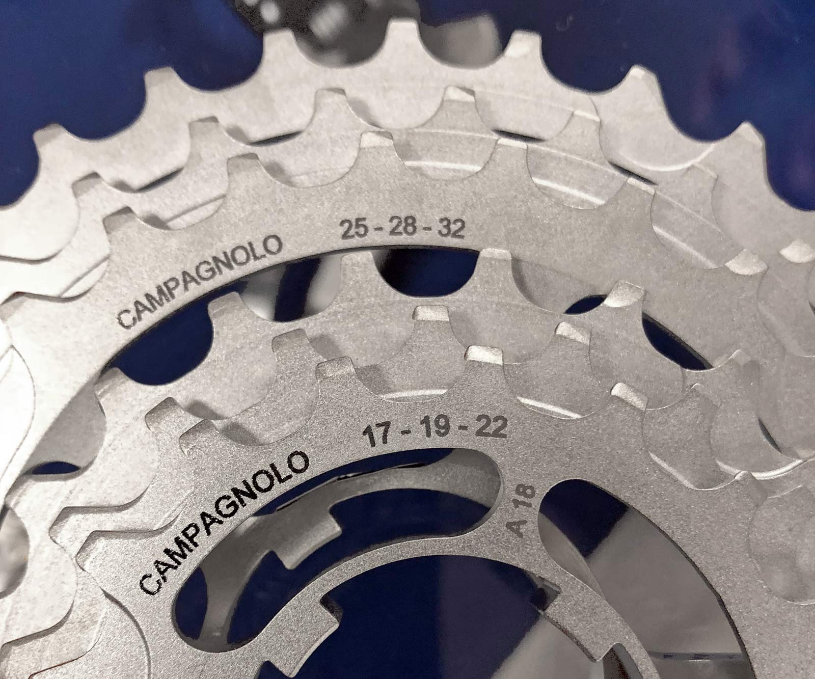 Campagnolo Record Movement 12 tightly-spaced steel 12-speed cassette road bike groupset twelve-speed 11-32