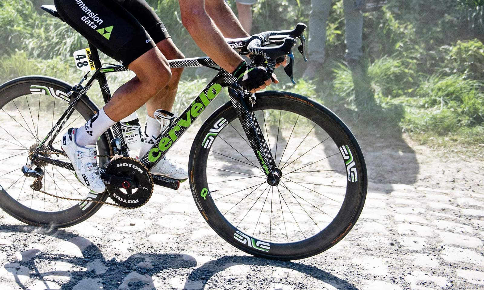 Win or buy a Cervelo R5 Classics Edition frame in limited