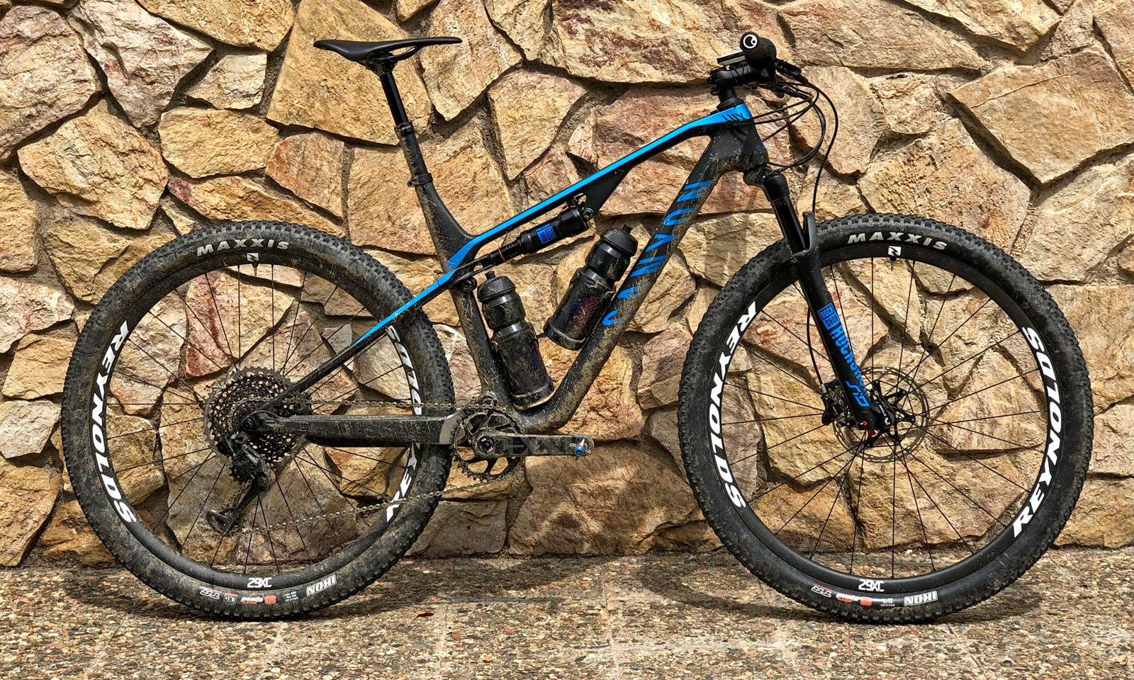 2019 Canyon Lux reshapes XC/XCM race mountain bike with all