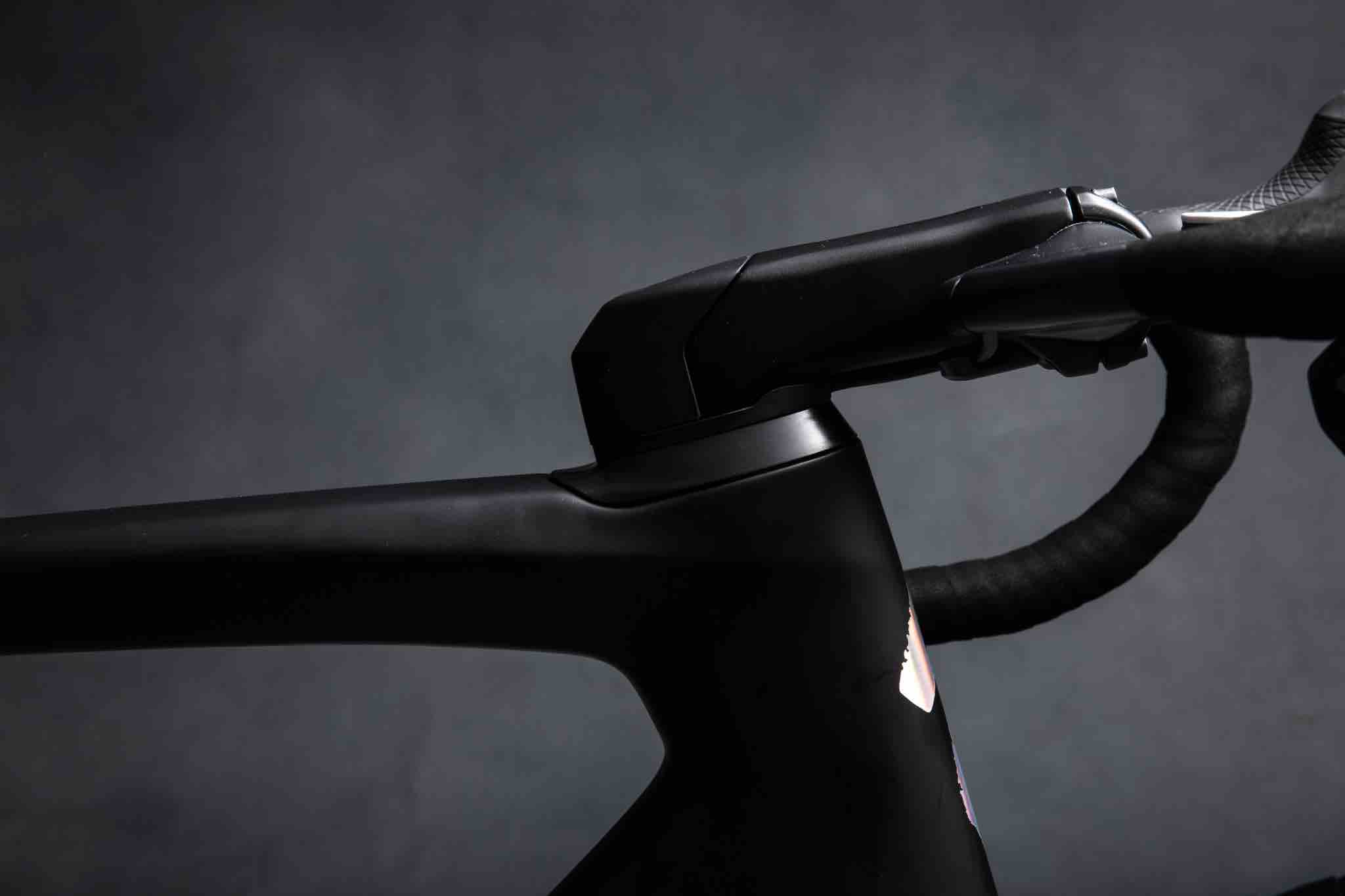 2019 Specialized Venge aero road bike tech details with integrated cockpit