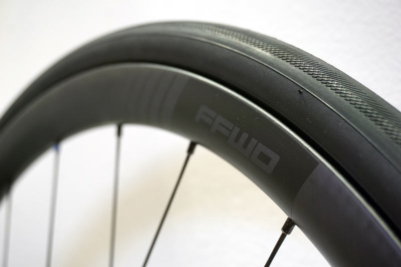 2019 FFWD F-series DARC aero carbon fiber road bike wheels with indented profile to minimize drag