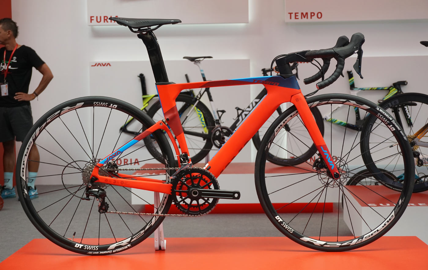 Java Tempo full suspension short travel road bike with aerodynamic stem hides the cables