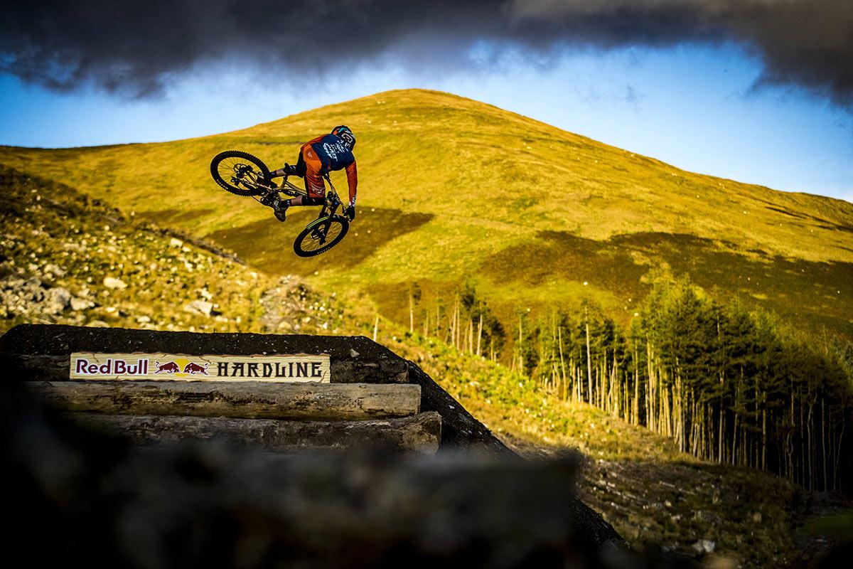 Red Bull Hardline 2017 Dan Atherton Jumps Downhill Mountain bike race Wales