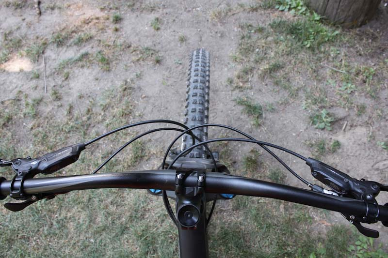 Specialized stumpjumper Evo, front wheel behind bars
