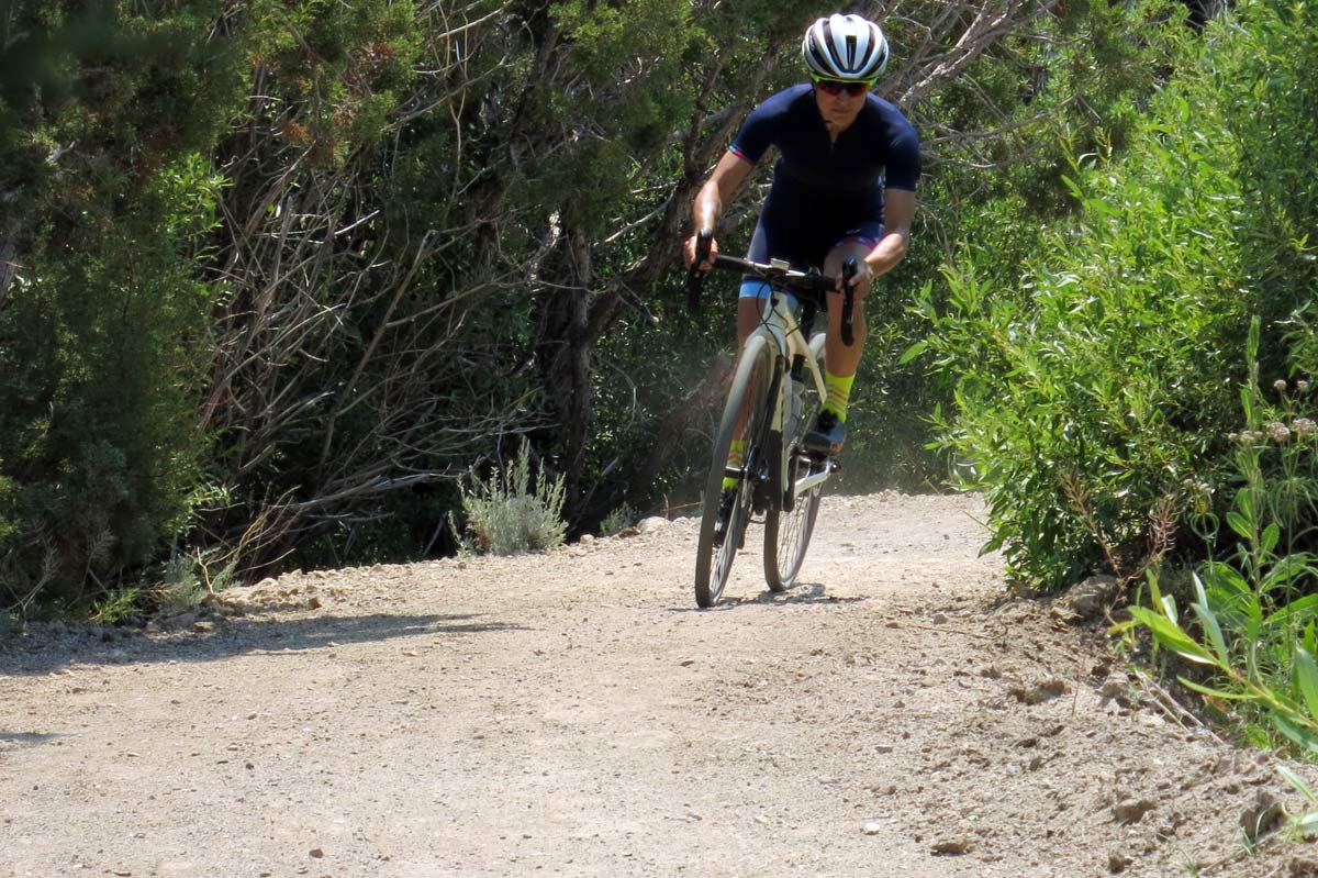 2019 Trek Checkpoint SL5 WSD gravel bike review shows its a capable road bike that works for cyclocross too