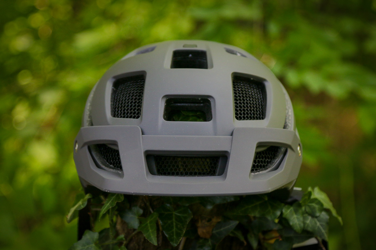 Review: Smith Forefront 2 offers more room, protection, & better ventilation