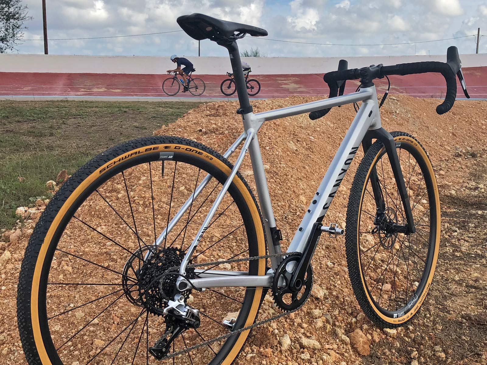 2019 Canyon Grail AL affordable aluminum gravel bike with conventional two-piece drop bar
