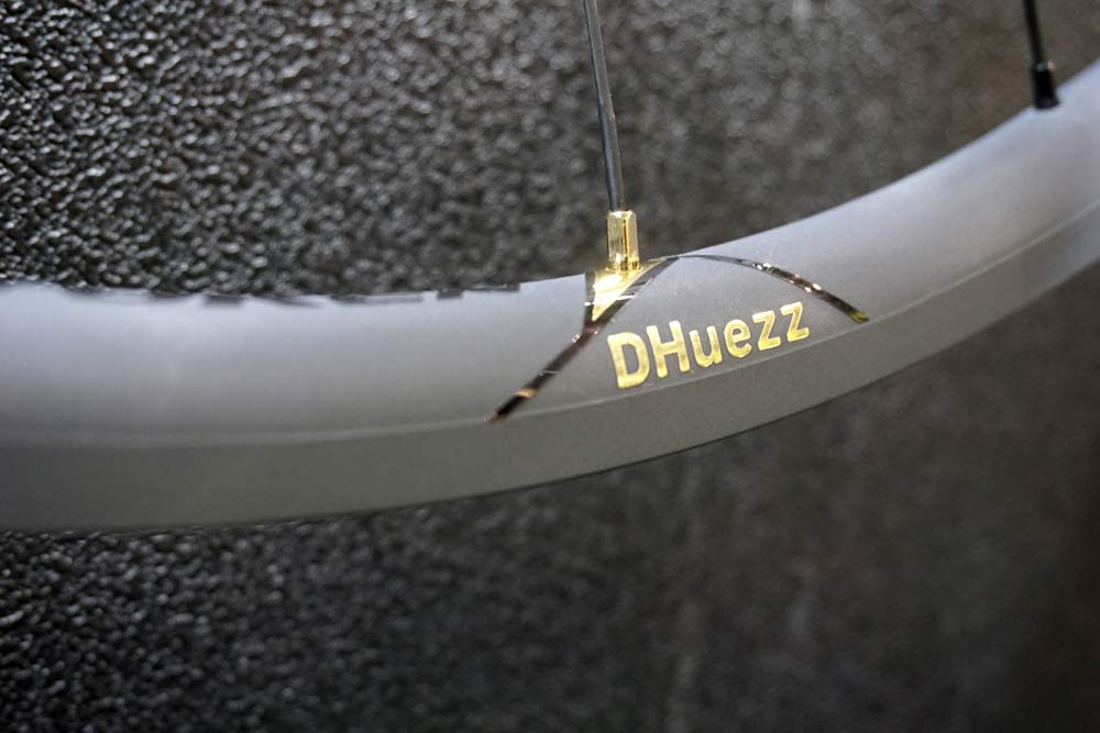 Token C22AX dHuezz ceramic coated lightweight alloy road bike wheels for KOM challenges and climbing bikes