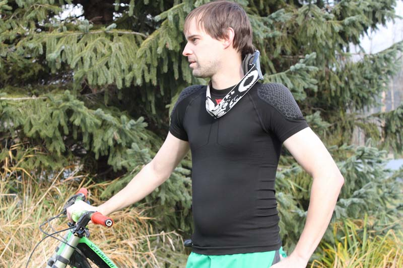 Dainese Trailknit Pro Armor Tee, front with DH gear