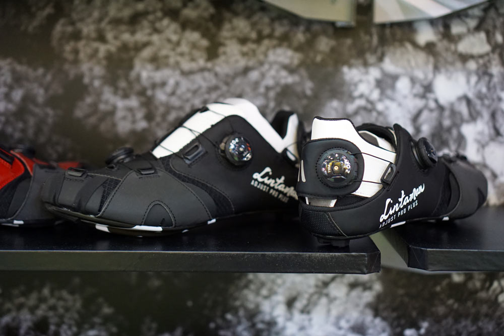 Lintamin Adjust Plus road cycling shoes with multiple BOA dial positions to customize the fit