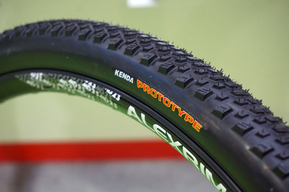 prototype kenda booster 700x40 gravel road bike tire for aggressive terrain with knobby tread