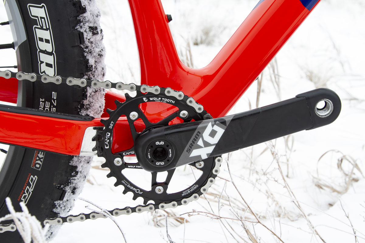 Wolf Tooth adds colorful clamps for your seatpost, more fat bike chainring options