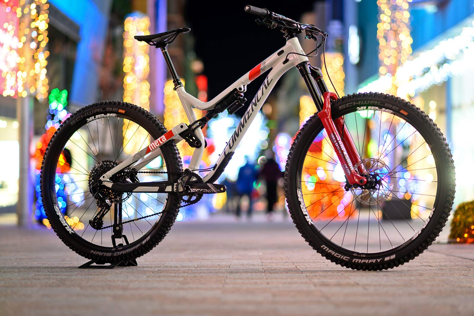 38cc0b1b48c 2019 Commencal Meta AM 29 Race special SRAM Edition enduro mountain bike