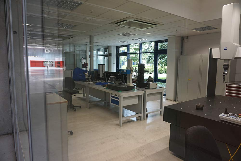 SRAM Schweinfurt headquarters measurement lab checks specs on all components during design and prototyping