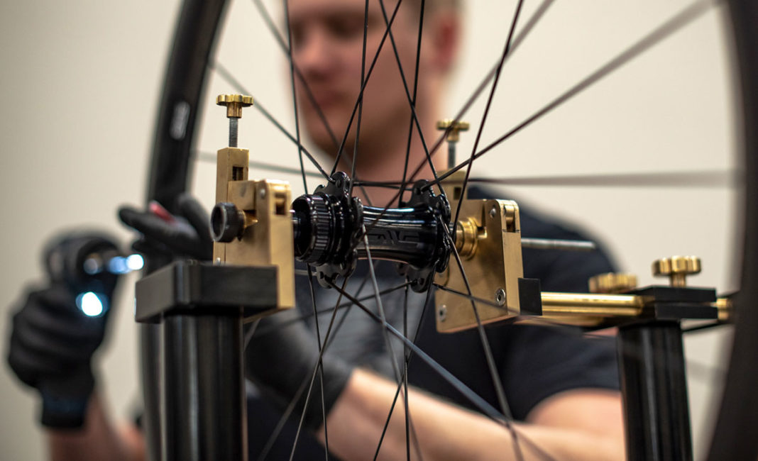 ENVE alloy road disc brake hub truing stand