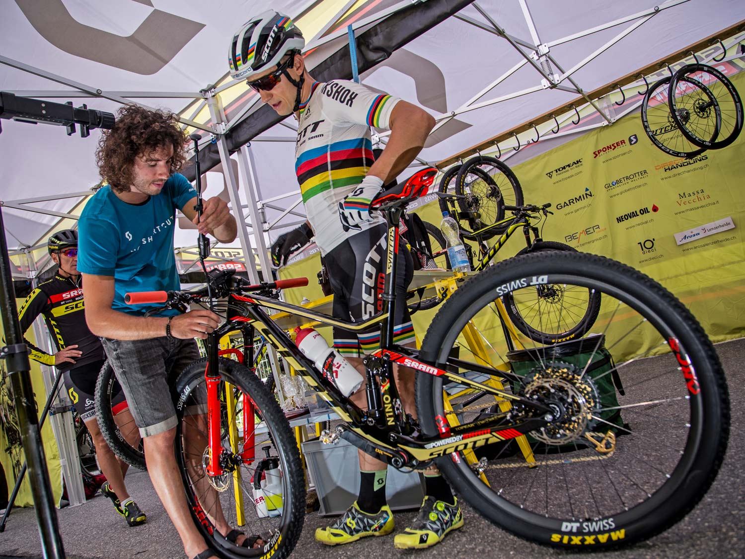 How to Set Up your suspension with Yanick the Mechanic, photos by Jochen Haar