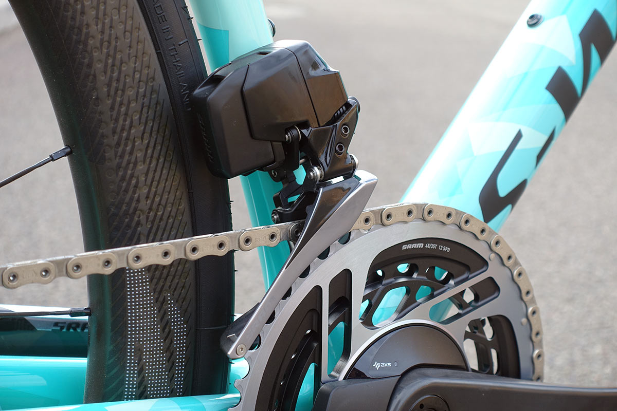 SRAM RED eTap AXS 12-speed road bike group with wireless electronic shifting - full technical details and specs