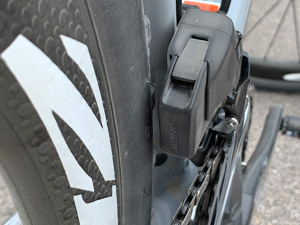 does the new sram red etap axs group have more tire clearance for the front derailleur battery