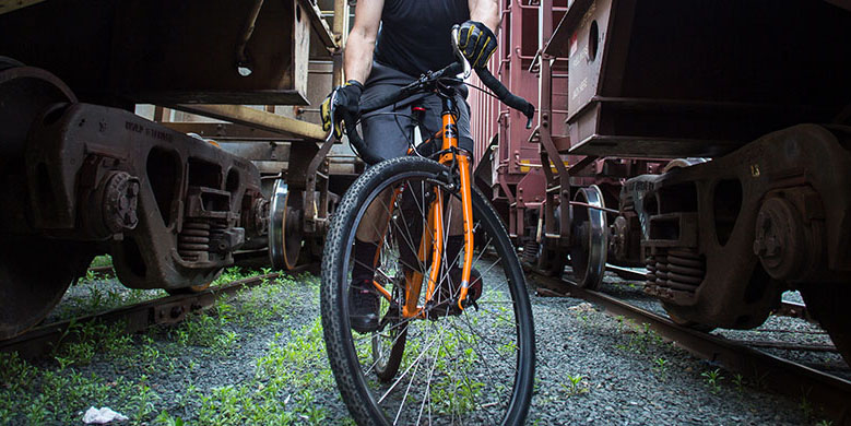 Surly-CrossCheck-monstercross-wide-gravel-tire-clearance