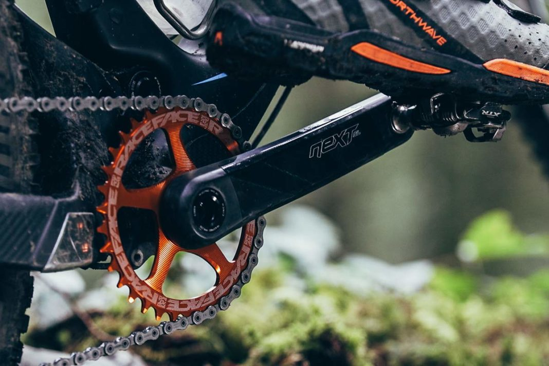 Race Face Next SL G5 ultralight carbon fiber crank arms for xc trail mountain bikes now available with shimano compatible 12-speed chainrings