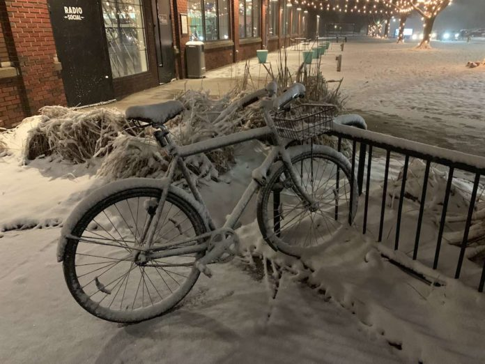 bikerumor pic of the day handsome bicycle covered in snow in rochester, New York.