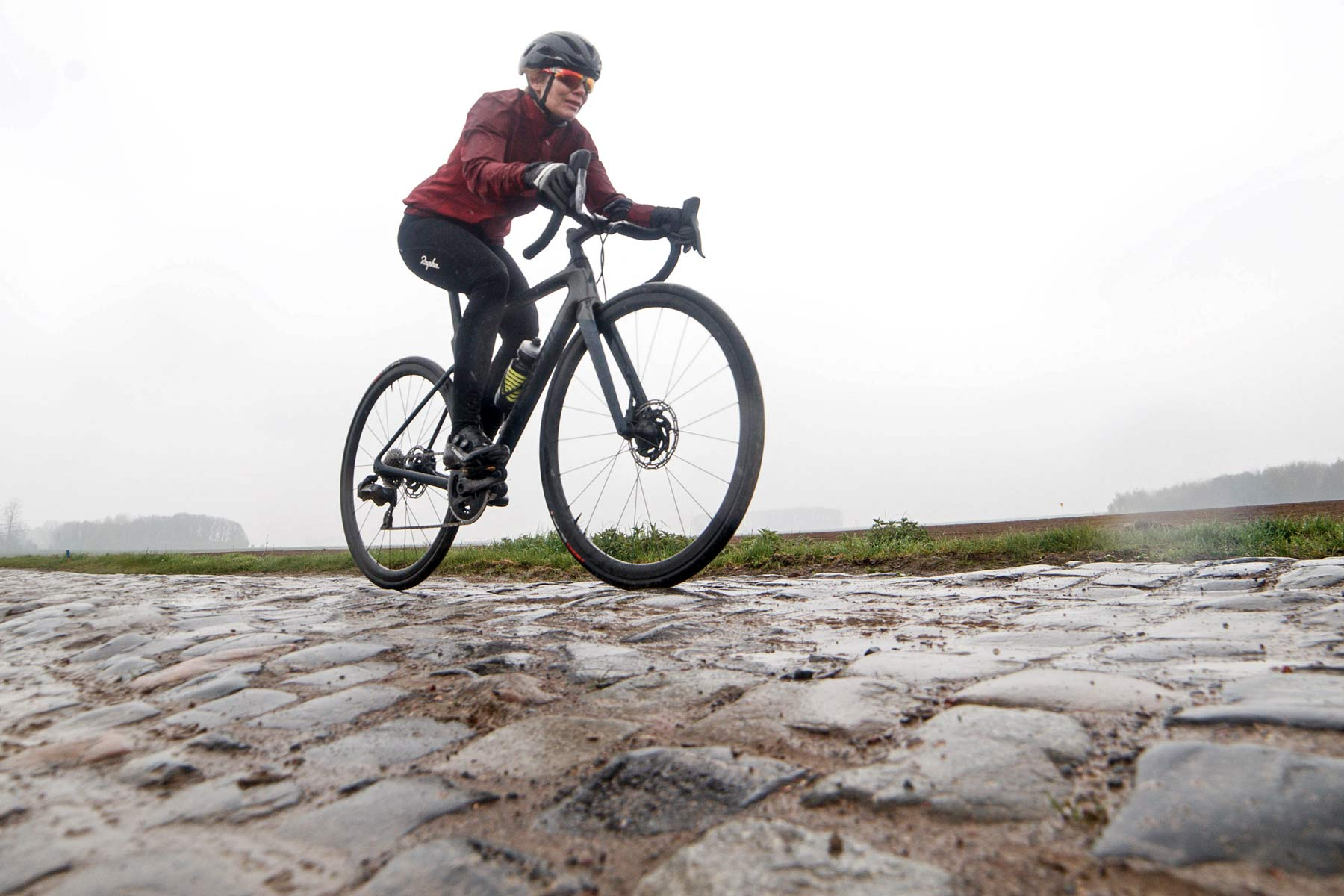 0413ad194ff Review: Specialized's all-new Roubaix, a Spring Classics road bike ...