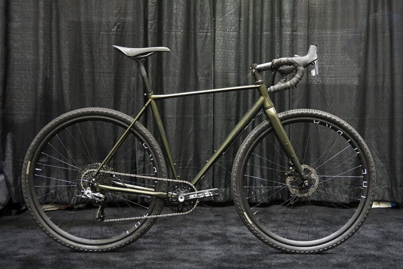 2019 T-Lab R3 all-road gravel bike can run both wheel sizes to fit different tires