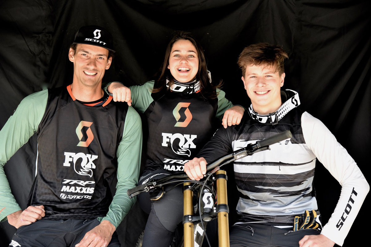 ©TRP Cycling – Caption: Scott DH Factory Riders Florent Payet, Marine Cabirou and junior rider Louis Gaillet.