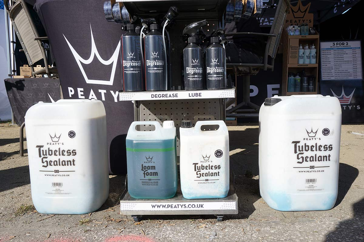 peatys tubeless tire sealant uses particles to clog leaks and plug mountain bike tires and comes in huge shop sized containers